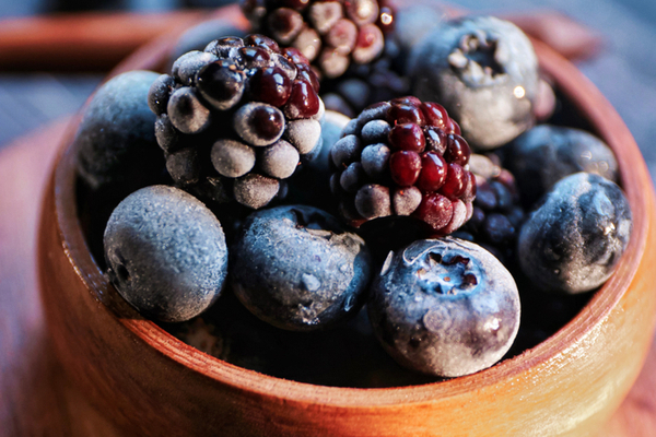 The Health Benefits of the 8 Most Powerful Blue Fruits and Vegetables