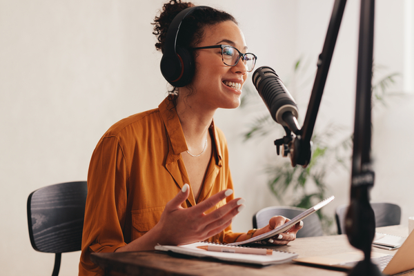 13 of the Best Podcasts for Holistic Health and Nutrition Coaches