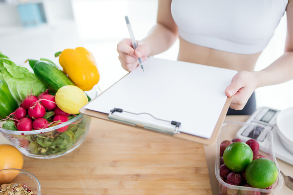 Fasted vs. Fed Training: Which Benefits Your Clients More?