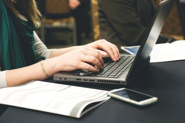 6 Email Templates to Encourage & Check-In With Your Clients