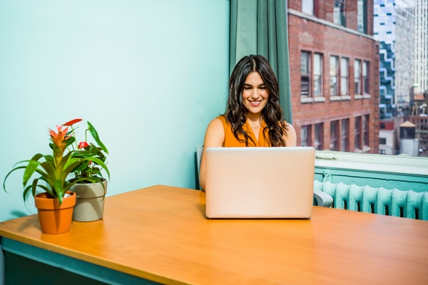 How to Start an Email Newsletter That Your Clients Look Forward to Reading